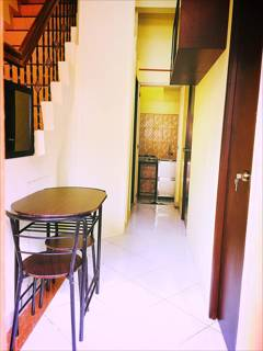 Apartment Bed and Rooms for Rent in Makati City